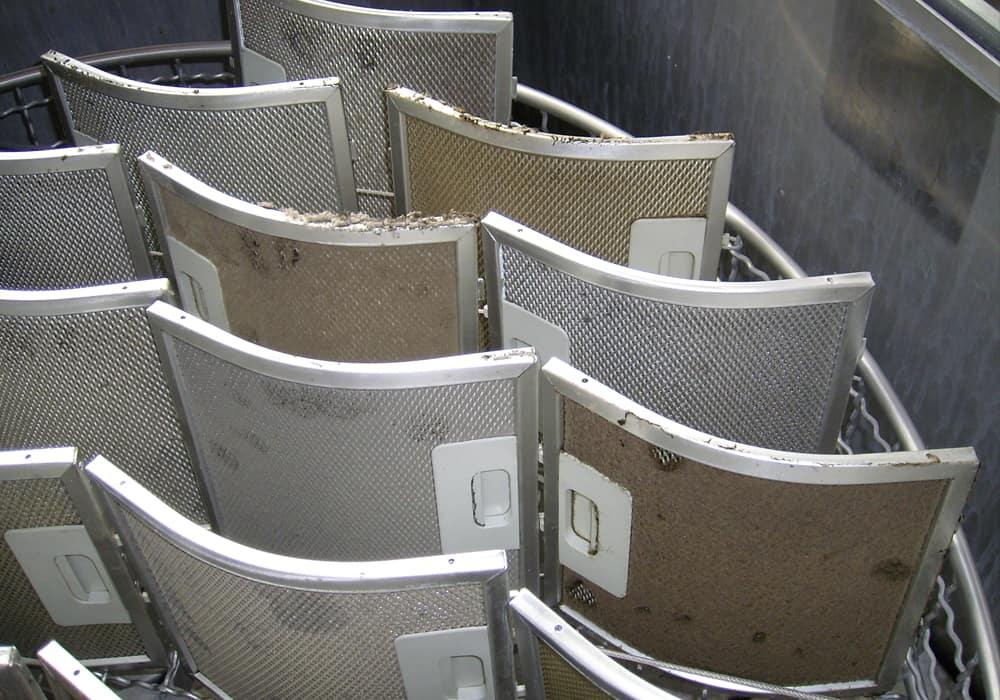 Industrielle Reinigung von Abluftelementen Fettfiltern