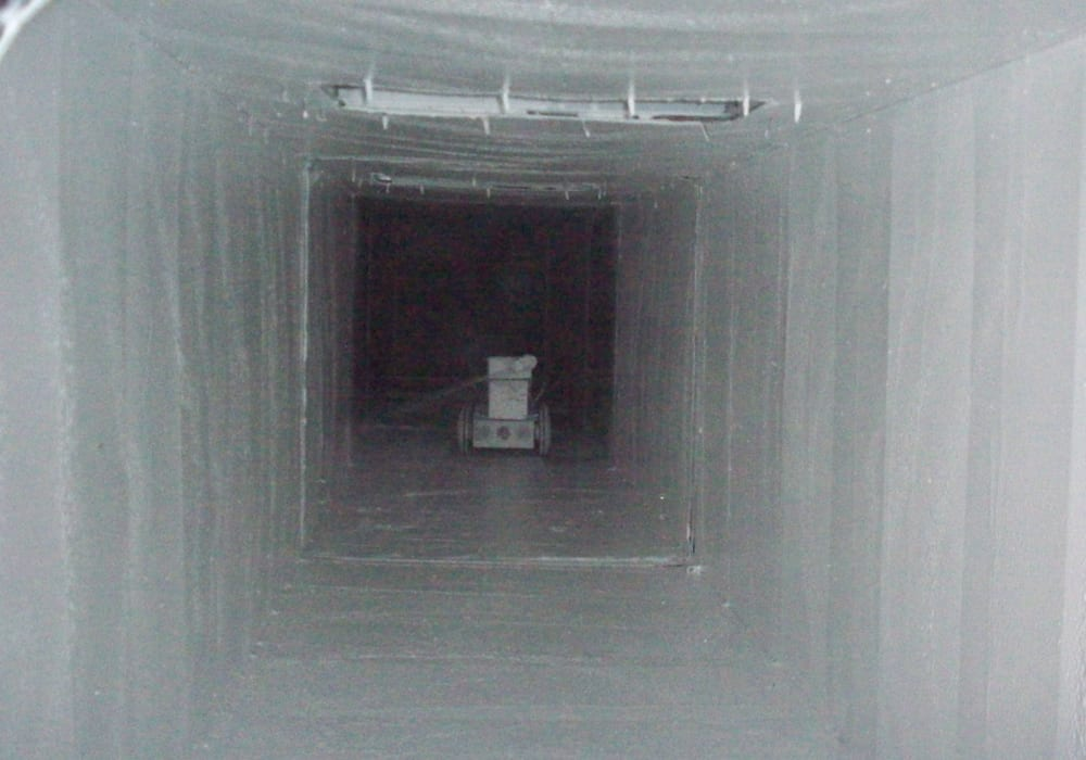 Live Abdichtung eines Blechkanals durch Innenbeschichtung Zuluft
