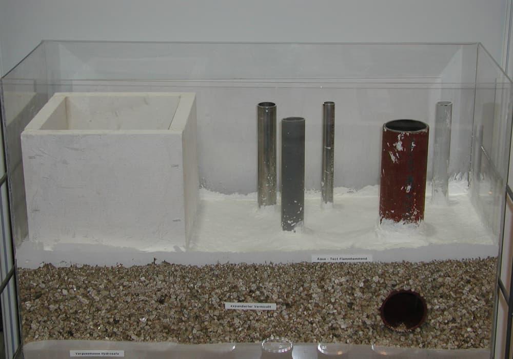 Modell für den rauchgasdichten Verschluss von Installationsschächten