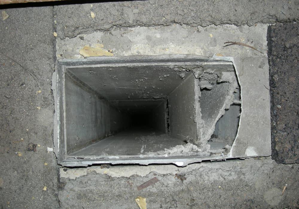 Versiegelung Beschichtung Asbest Lüftungskanal vor der Sanierung