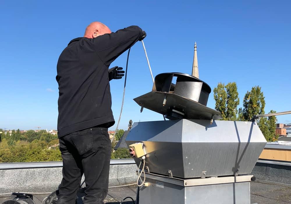 Wartung Instandsetzung Dachventilatoren Dachlüfter Wohnungsbau