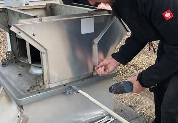 Wartung und Instandsetzung von Dachlüftern